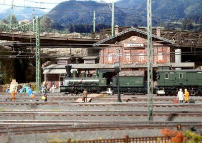 Plastico ferroviario digitale Märklin in Scala H0